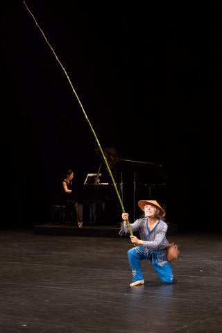 【写真は、『釣り人』から。撮影=池上直哉 提供=一般社団法人 現代舞踊協会 禁無断転載】