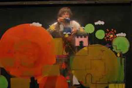 「レッドくんのもくようび」公演から。提供=横浜こどものひろば