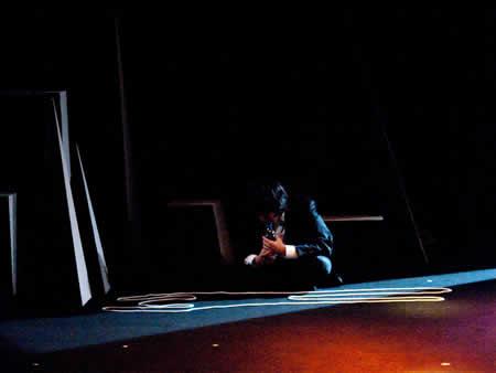 「死すべき母の石」公演