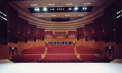劇場型多目的ホール