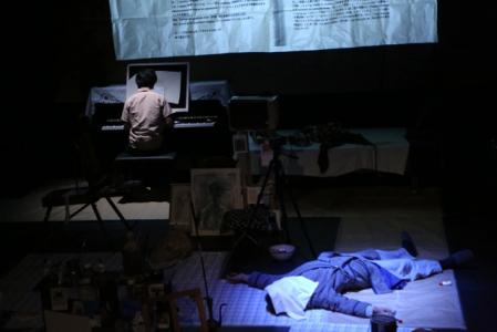 【写真はスイス・バーゼル公演ゲネプロから。撮影=Takio Okamura 提供=悪魔のしるし 禁無断転載】