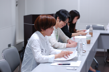 【写真は、劇評を書くセミナー 第2回から(東京芸術劇場)。撮影=ワンダーランド 禁無断転載】