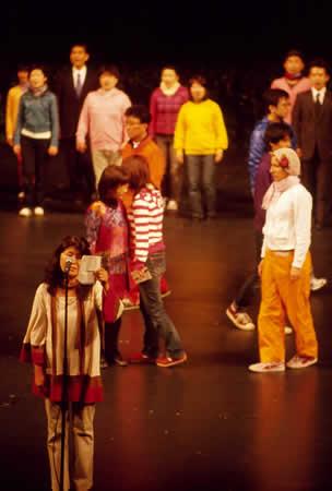 「世界は踊る~ちいさな経済のものがたり~」公演から