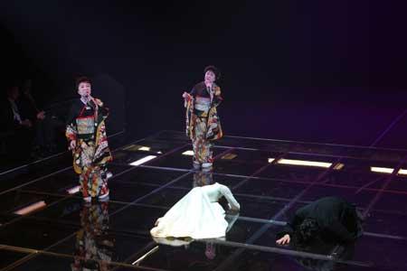 「ハムレット」公演の舞台写真4