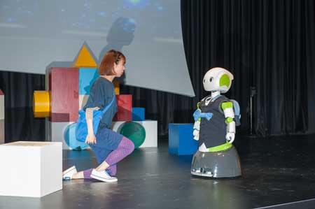 「ロボット演劇版 銀河鉄道の夜」から