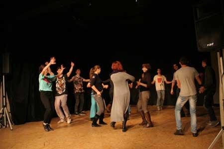 「Romanian Dance History 3」公演の舞台写真1