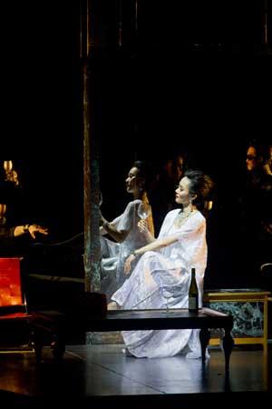 「椿姫―何日君再来」公演から