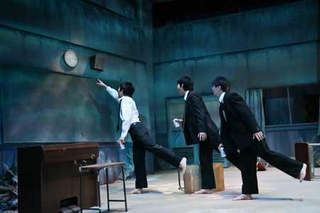 「テトラポット」公演の舞台写真1